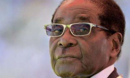 La dépouille de l'ancien dictateur du Zimbabwe, Robert Mugabe, va-t-elle être exhumée?
